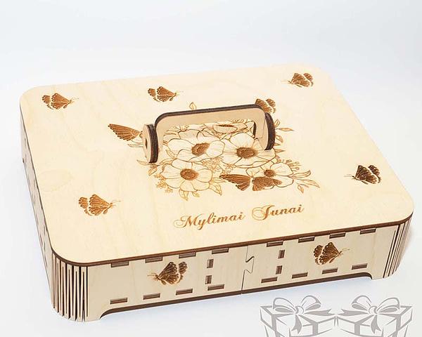 Medinė papuošalų dėžutė 24x30x5cm
