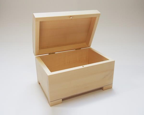 Medinė dėžutė stačiakampė 13x9x8cm