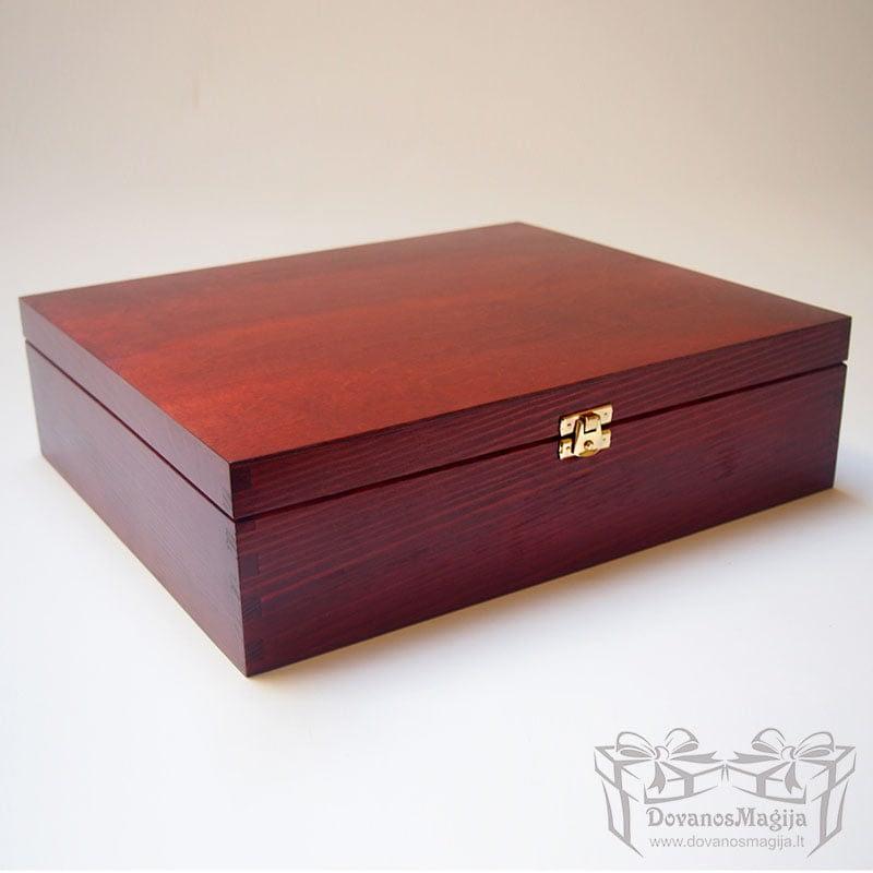 Medinė dėžutė stačiakampė 36x29x9cm lakuota MedinesDovanos Medinė dėžutė