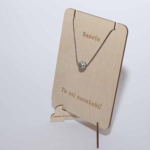Medinė lentelė papuošalams 12x15cm