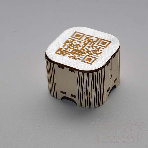 Medinė dėžutė mažylė 5x5x4cm