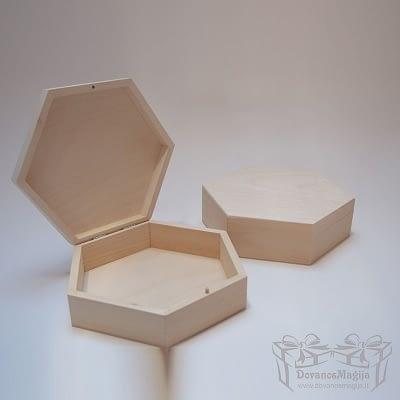 Medinė dėžutė šešiakampė MedinesDovanos Medinė dėžutė