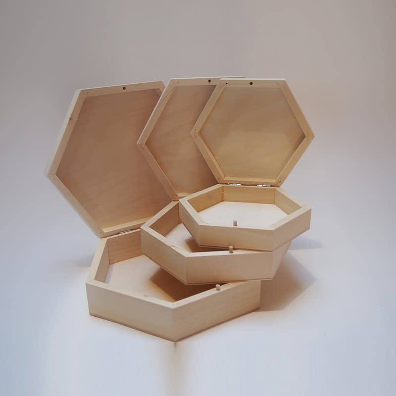 Medinė dėžutė šešiakampė