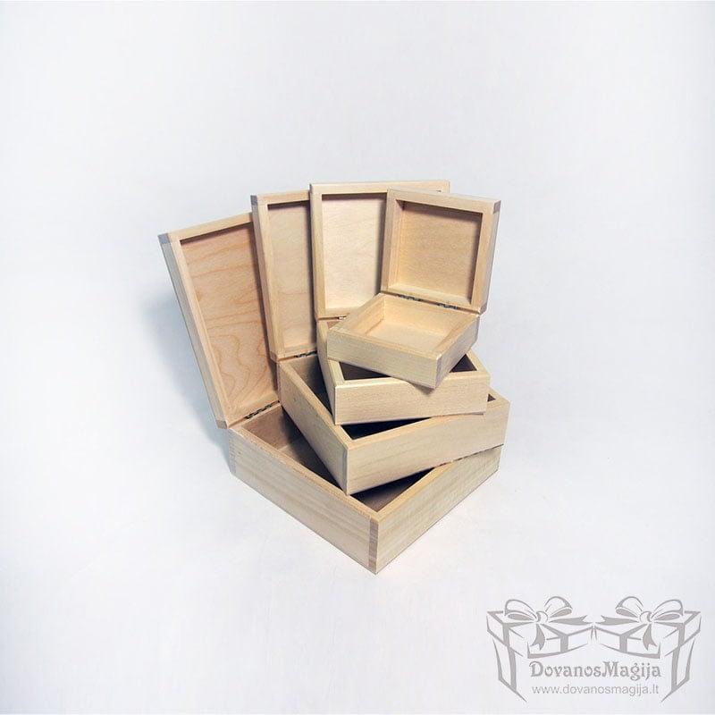 Medinė dėžutė kvadratinė MedinesDovanos Medinė dėžutė