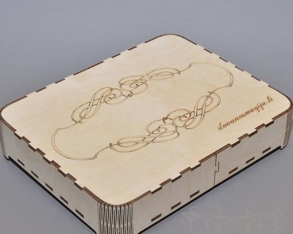 Medinė dėžutė 07 Medinė dėžutė stiklui
